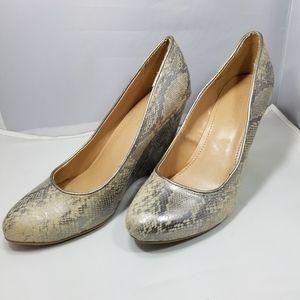 Banana Republic animal print shoes wedges